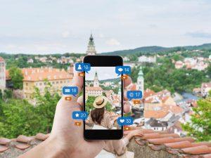 Réseaux sociaux : nouveaux guides de voyage ?